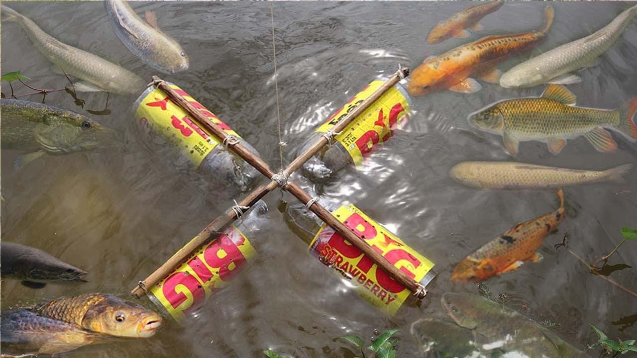 Smart girl make fish trap using big coca cola plastic for How to make a fish trap for big fish