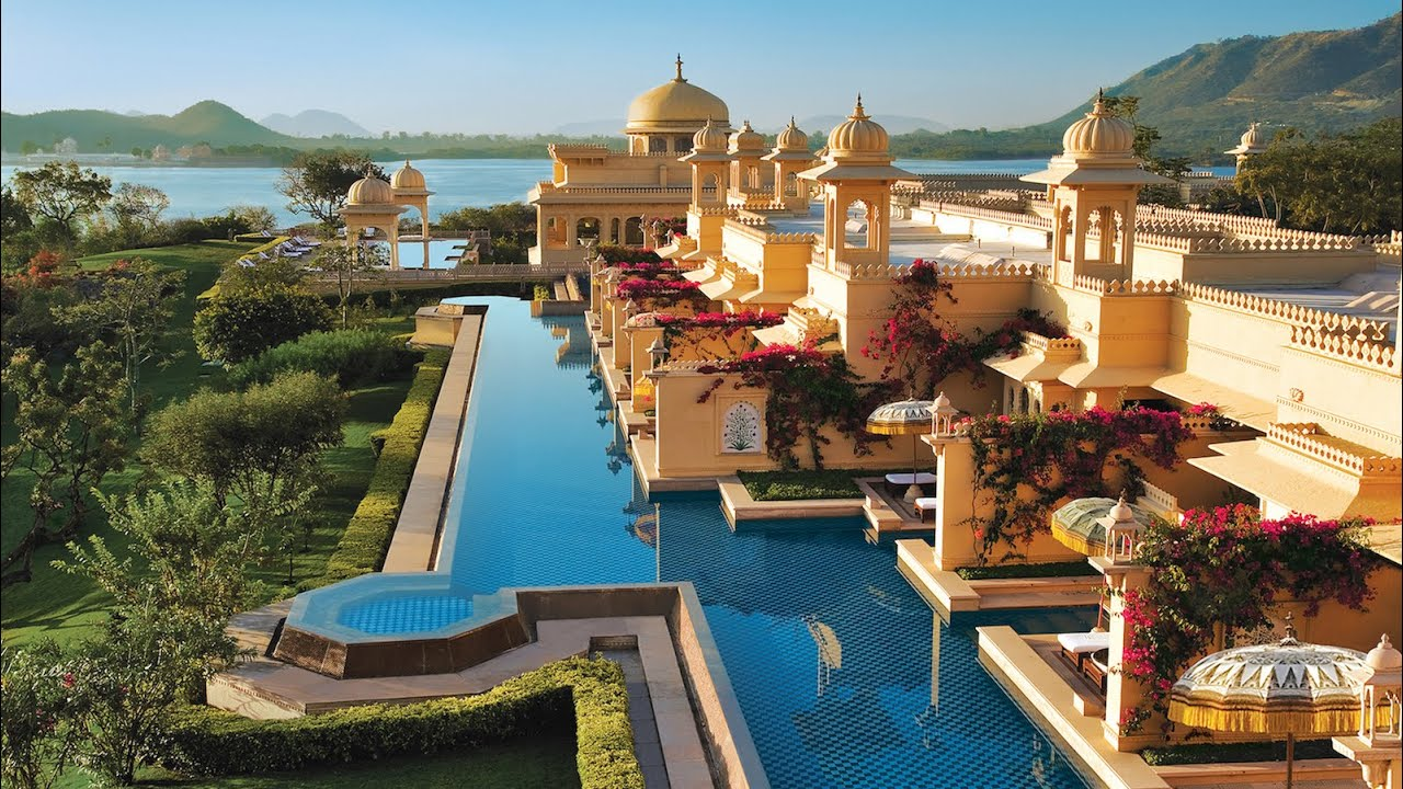 OBEROI UDAIVILAS: best luxury hotel in India (phenomenal!)