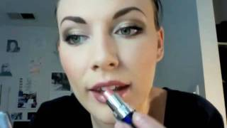 Howto Apply Lipstick Without Lipliner