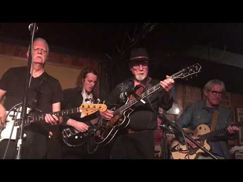 See Dan Auerbach Jam With Duane Eddy at Surprise Nashville Club Show