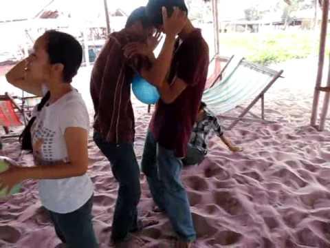 """Offline He 2010 - NguyenDuyHieu.Com - Tro """"Chuyen Bong"""" 3"""
