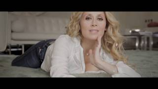 Lara Fabian � Ma vie dans la tienne (Official Video)