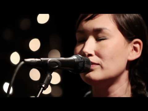 Nive Nielsen - Room (Live on KEXP)
