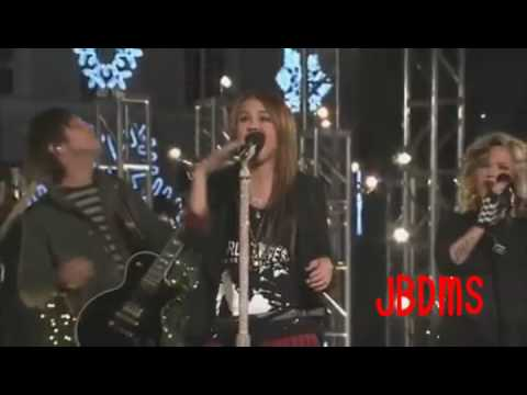 Miley Cyrus (Hannah Montana) - Rockin' Around The ...