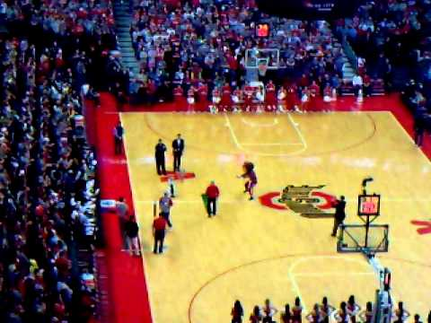 Putting Contest - Ohio State Buckeyes Value City Arena
