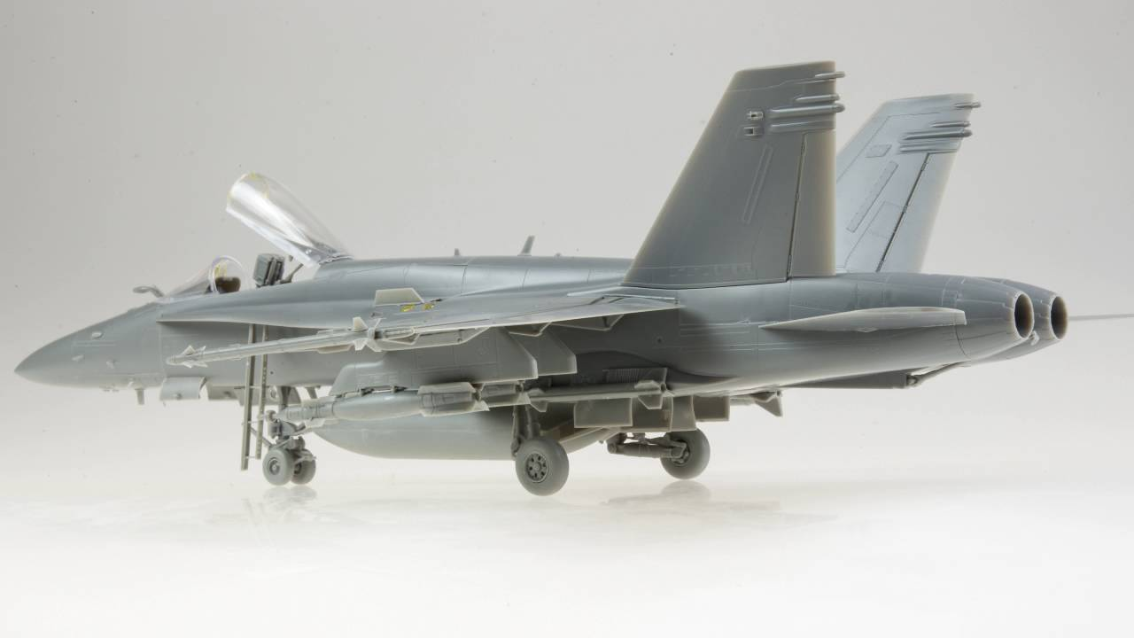 Review: 1/48 Kinetic F/A-18C Hornet – Doogs Models