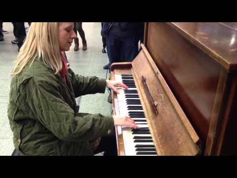Only Liszt & Lisitsa (& Howard!) could play this! El Contrabandista, St. Pancras