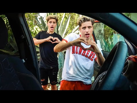 THE SHIGGY DANCE CHALLENGE - MARTINEZ TWINS