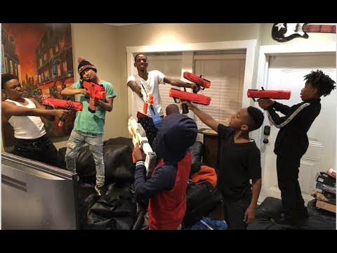 WE HAD THE LITTEST NERF GUN WAR!!