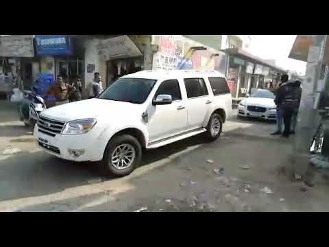 TV Reality Show Road blaster k selected candidate Road show karte hue.