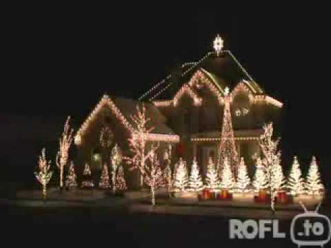 hammer weihnachtsbeleuchtung am haus und weihnachtsbaum. Black Bedroom Furniture Sets. Home Design Ideas