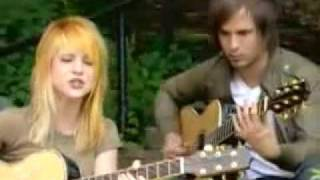 Paramore - Misery Business (acoustic) - MTV
