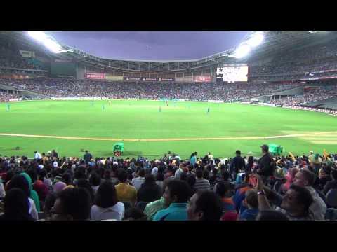 David Warner Switch Hit! *Crowd View HD1080p*