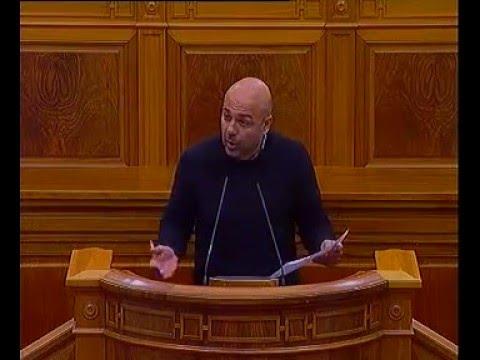Molina parafrasea a Felipe González en un debate sobre educación