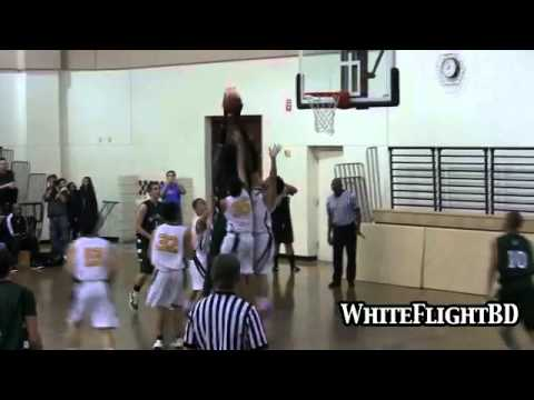 Video  Atrocious  Tallest High School Basketball Player In The World! (7'5)