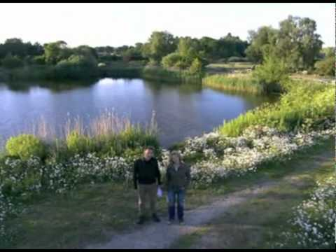 Chris Packham does The Cure - Springwatch 2010
