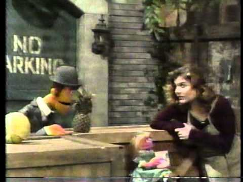 Sesame Street - Episode 2946 Street Scenes   FunnyDog TV