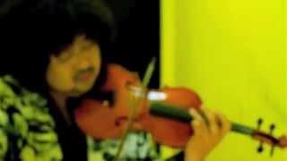 稲妻ピアノ、爆裂カホンと情熱ヴァイオリンがせめぎあう音は、想像を超...