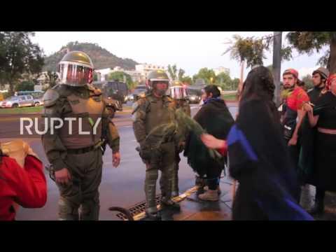 Chile: Mapuche protest turns violent in Santiago