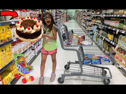 Deema play Shopping for Birthday Party Cake Surprise!