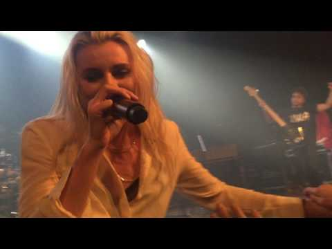 PVRIS - My House - Live in Amsterdam 10/05/17