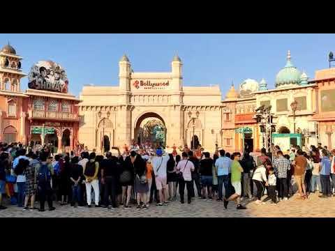 I am go in the Dubai Bollywood park