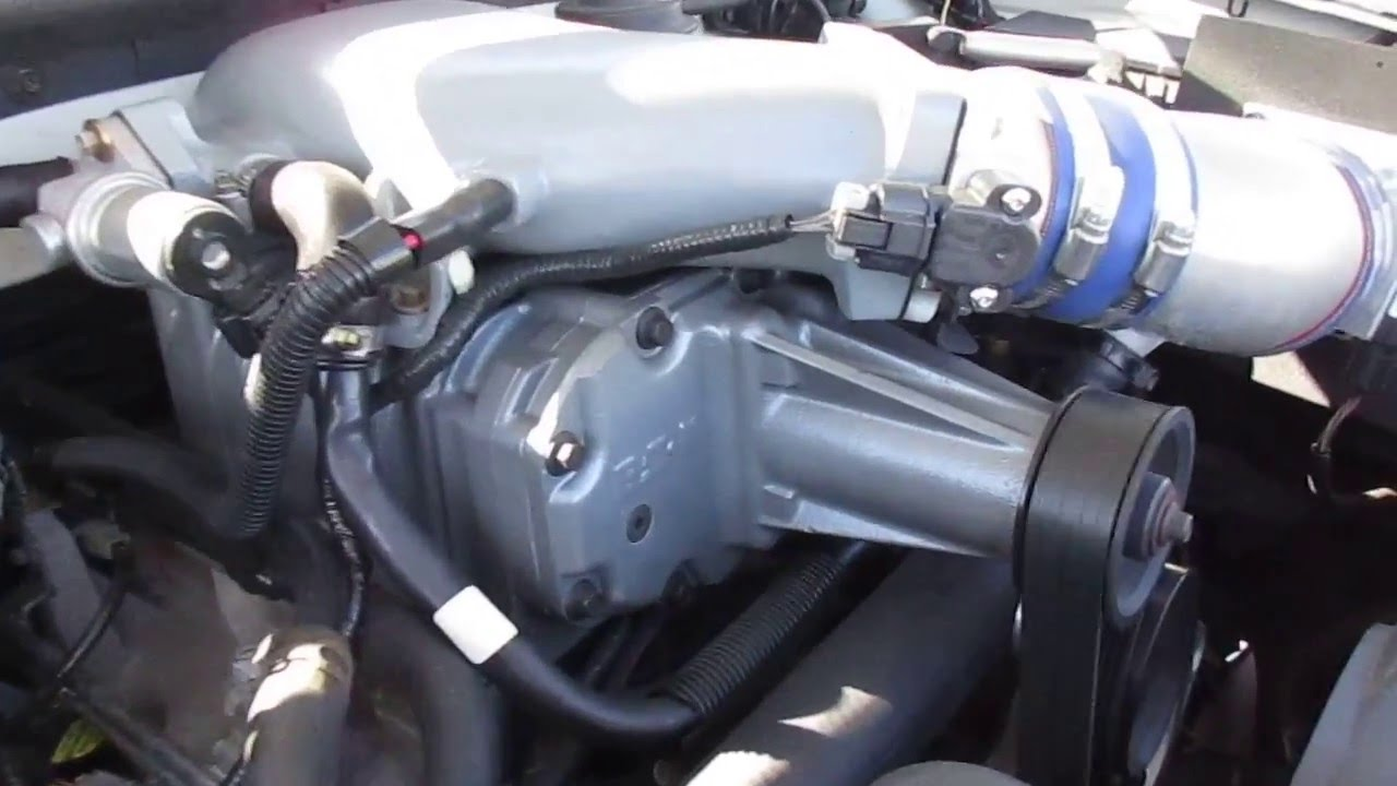 2000 white ford lightning engine