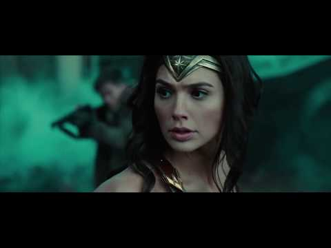 Wonder Woman Frees Occupied Town | Wonder Woman (2017)