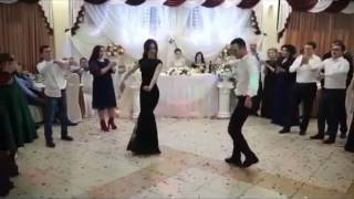 Заднее сальто на свадьбе