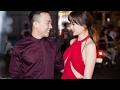Hari Won khoe vòng 1 táo bạo, được ông xã hộ tống đi ra mắt phim mới(Tin tức Sao Việt)