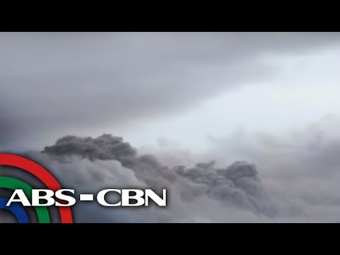 LOOK: Light magmatic eruption at Mayon Volcano