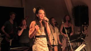 Between the cheats, Amy Winehouse Cover, Christien Karssen