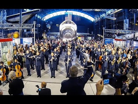 The USAF Band - 2014 Holiday Flash Mob