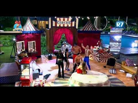 Douglas e Rayanne   Festa Circo   Strip 2  06 11