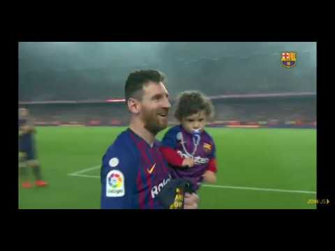 Messi Celebrate With Family In Camp Nou