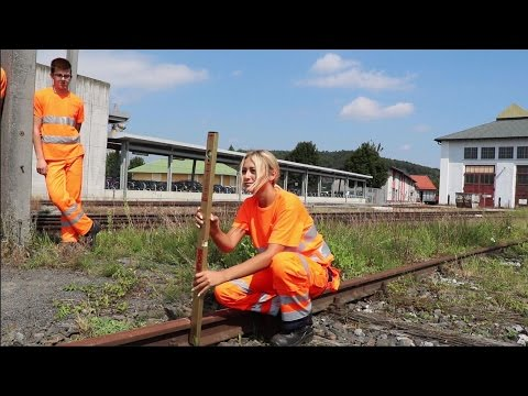 Lehrlinge im Bild: Gleisbautechnik