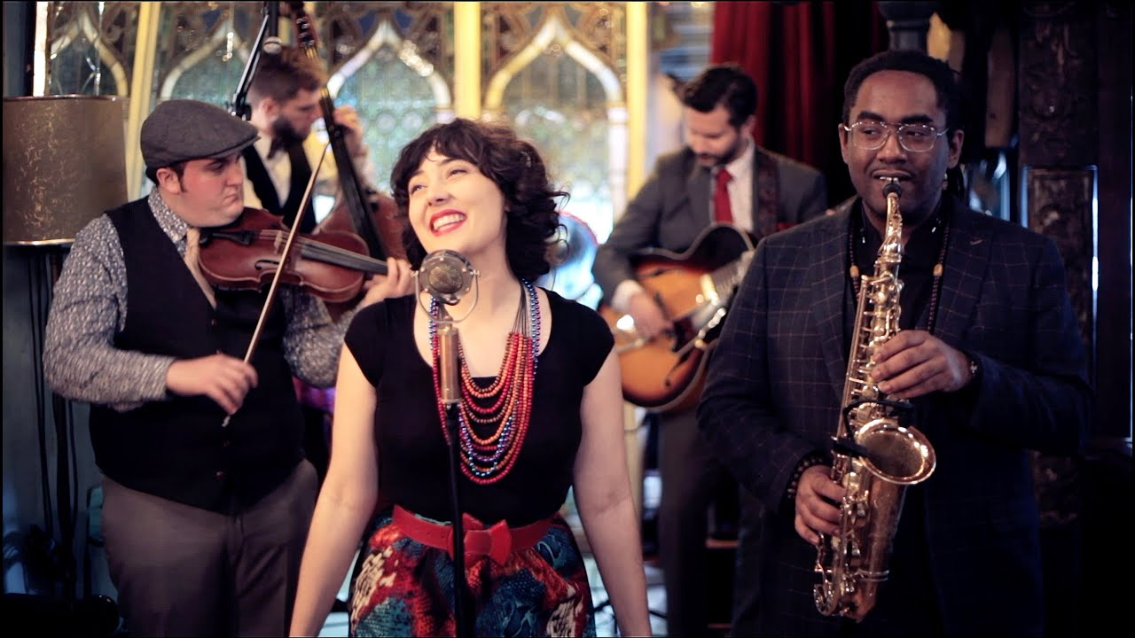 Moon Over New Orleans - Avalon Jazz Band - YouTube