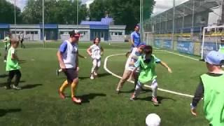 Футбольні уроки з зірковими тренерами