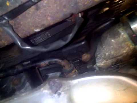 Subaru Forester 2.0 Xt Premium >> Subaru Forester XT Oil Cooler cross over pipe location - YouTube