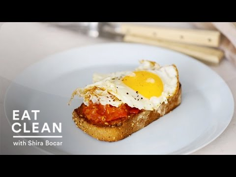 Garlic Toast with Charred Tomatoes and a Fried Egg Eat Clean with Shira Bocar
