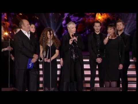 Annie Lennox 02 Angels From The Realms Of Glory + Speech - Concerto di Natale in Vaticano 2017
