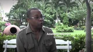 Repeat youtube video Alambre dulce documental sobre el tres cubano