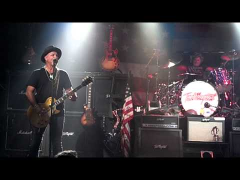 Nugent @ The Chance - Live It Up