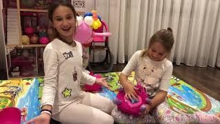 День народження Сашка, розпакування подарунків. Що ж їй подарували?