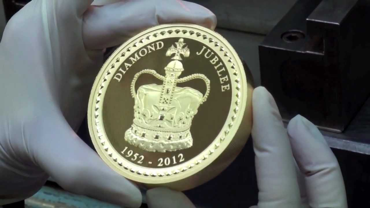 Giant Diamond Jubilee Gold And Silver Coins Being Made At