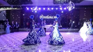 Выход жениха и невесты. Необыкновенно торжественно и красиво!