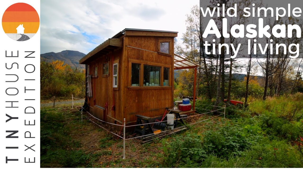 6 7 Man S Peaceful Tiny House Life In Alaska Youtube