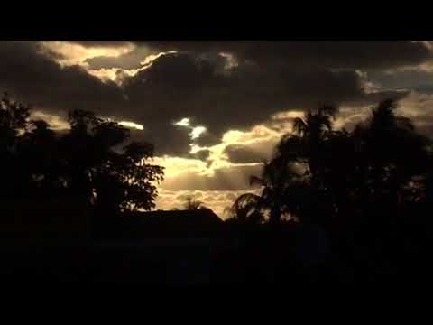 BLINKING SUN SIMULATOR?!? INBOUND PLANET X NIBIRU DAILY APPEARANCES S. Florida