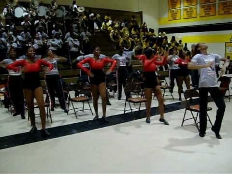Jenkins High School playing their Opening Fanfare @ Dillon High