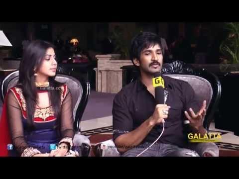 Aadhi & Nikki of Yagavarayinum Naa Kaakka Exclusive Interview
